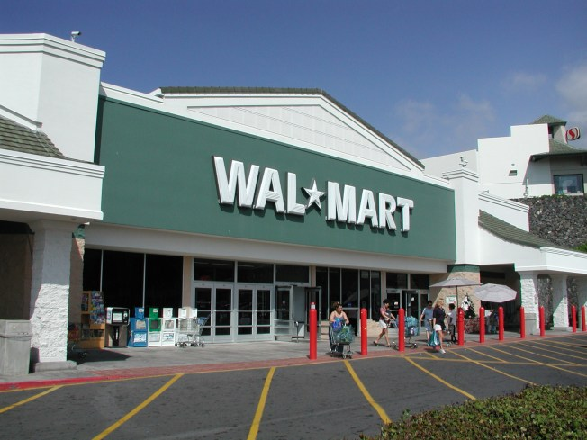 ' Wal-Mart Cuts Health Insurance for Part-Time Workers '